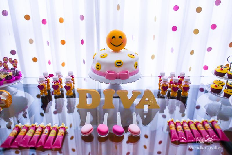 Joana 10 anos u2013 Decoraç u00e3o Emojis Michelle Castilho fotografia -> Decoração De Festa Tema Emoji