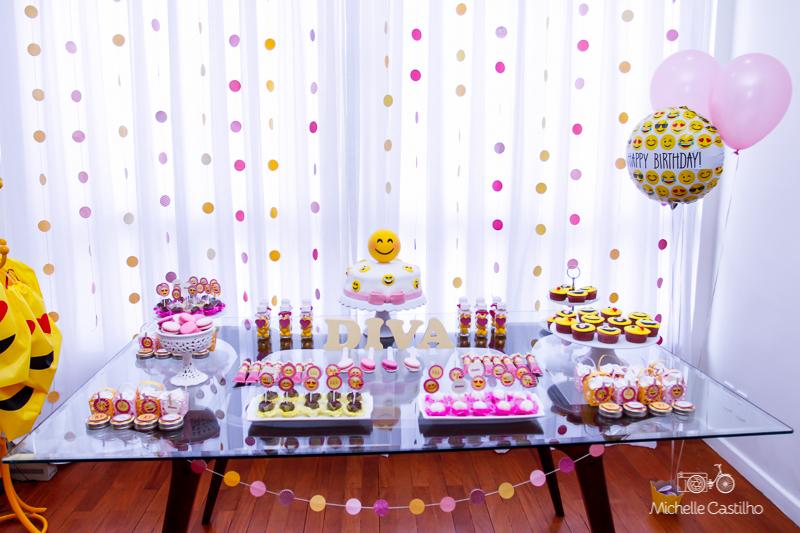 Joana 10 anos u2013 Decoraç u00e3o Emojis Michelle Castilho fotografia -> Decoração De Emoji Para Festa
